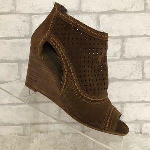 NWT Naughty Monkey Sharon Tan Suede Wedge Shoes